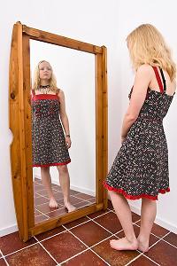 Afbeeldingsresultaat voor voor de spiegel staan